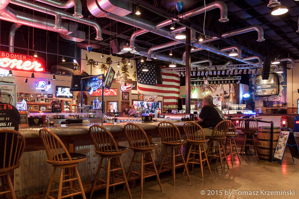 Toby Keiths I Love This Bar & Grill, Oklahoma City OK