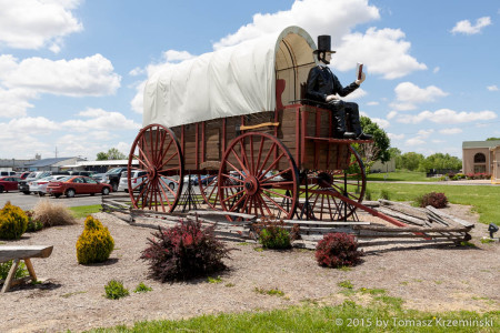 World's Largest Covered Wagon, Lincoln IL